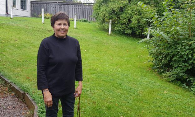 Christine klarar vardagen med särskilt boende och kedjetäcke