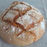 Spruta vatten på torrt bröd