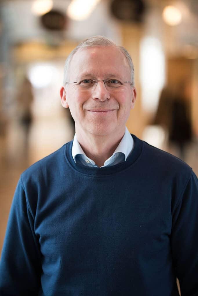 Porträtt av Per Kristiansson, specialistläkare i allmänmedicin och universitetslektor vid institutionen för folkhälso- och vårdvetenskap. Foto: David Naylor