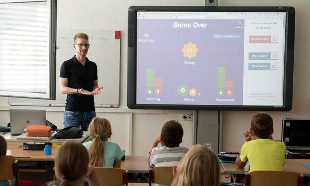 Svenska mellanstadietjejer sticker ut <br/> med sitt goda självförtroende